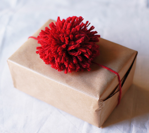 creative-wrap-with-pompom