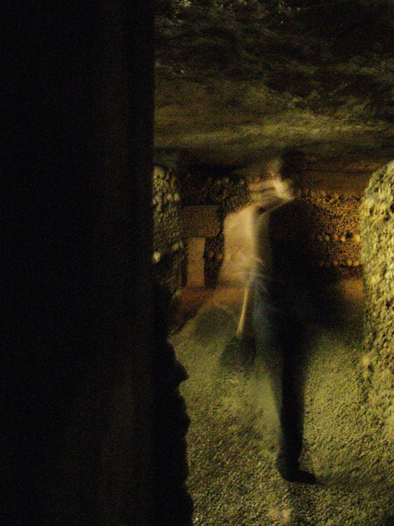 paris_catacombs_02