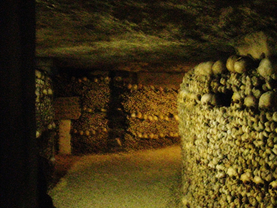 paris_catacombs_03